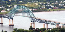 Traffic advisory / Centennial Bridge