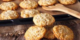 Old Fashioned Cooking with Darlene – Crunchy Oatmeal Coconut Cookies